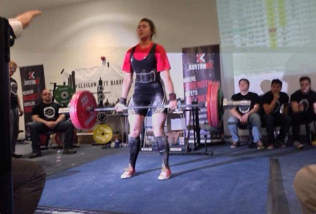 Personal Trainer Danielle Deadlifting 160kgs
